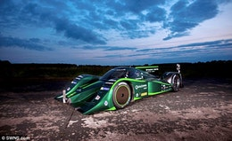 Drayson aims to raise the sub-1000kg e-car world land speed record