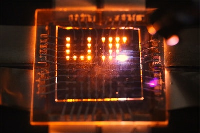 Dual-function nanorod LEDs could make multifunctional displays