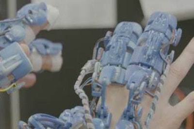 Wearable robotic tools for surgery