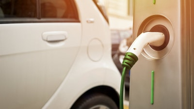 The number of electric cars will need to reach 600 million by 2040