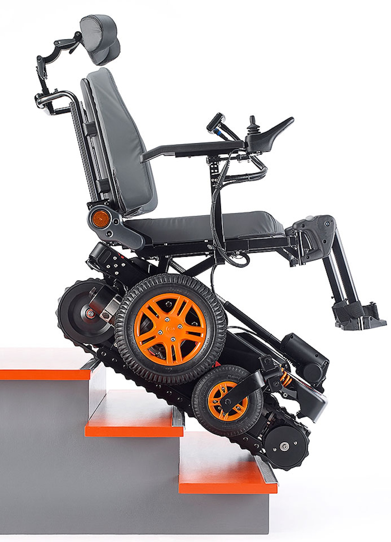 Electric wheelchair climbs up and down stairs | Electric Vehicles