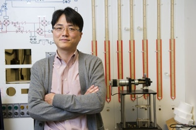 Thin and flexible energy storage