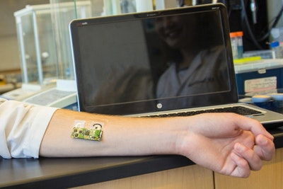 Flexible wearable electronic skin patch monitors alcohol levels