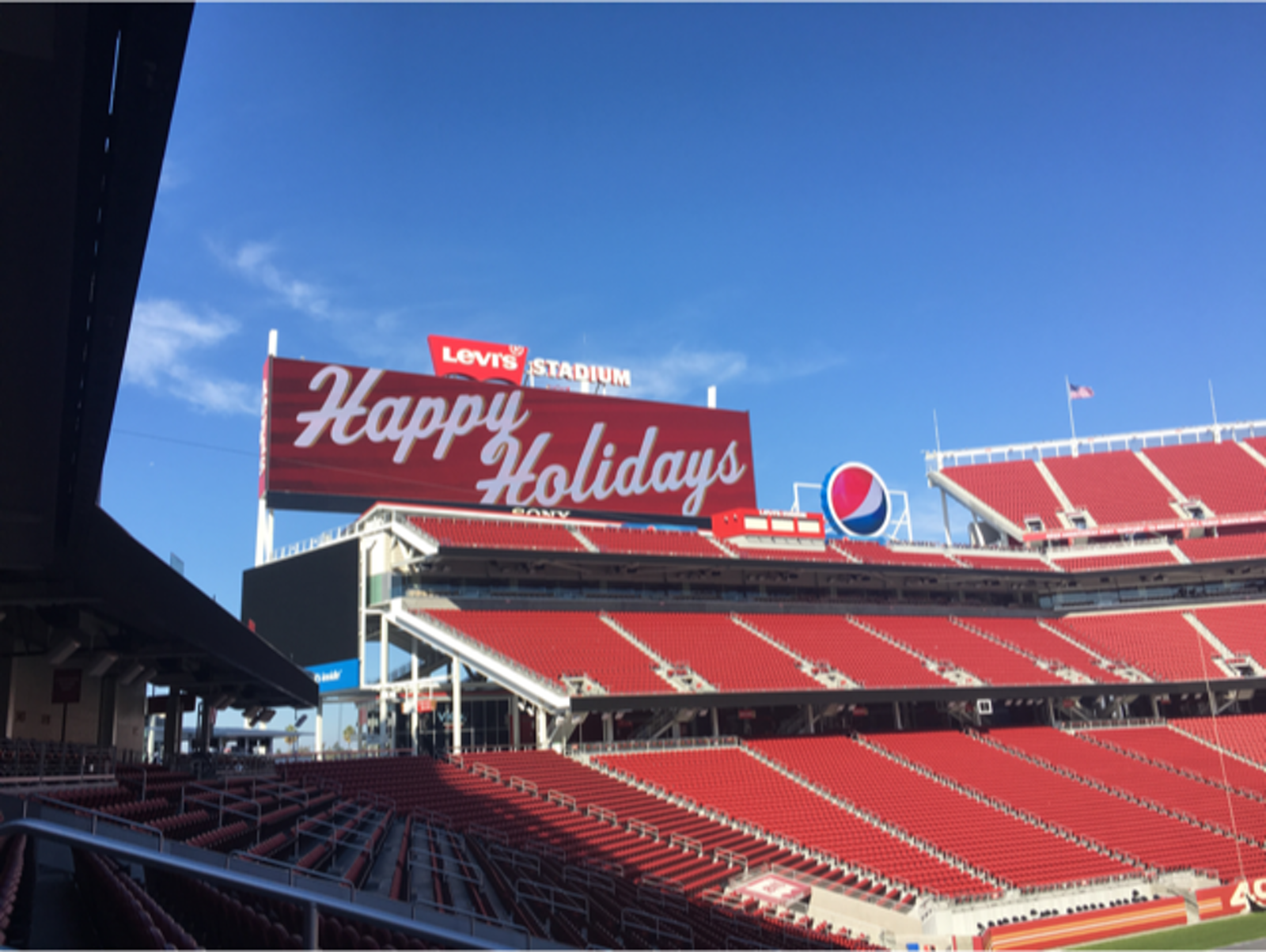 7db6384b2c4 The two screens at Levi s Stadium are the largest in the NFL