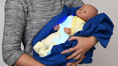 Illuminated pajamas treat newborns