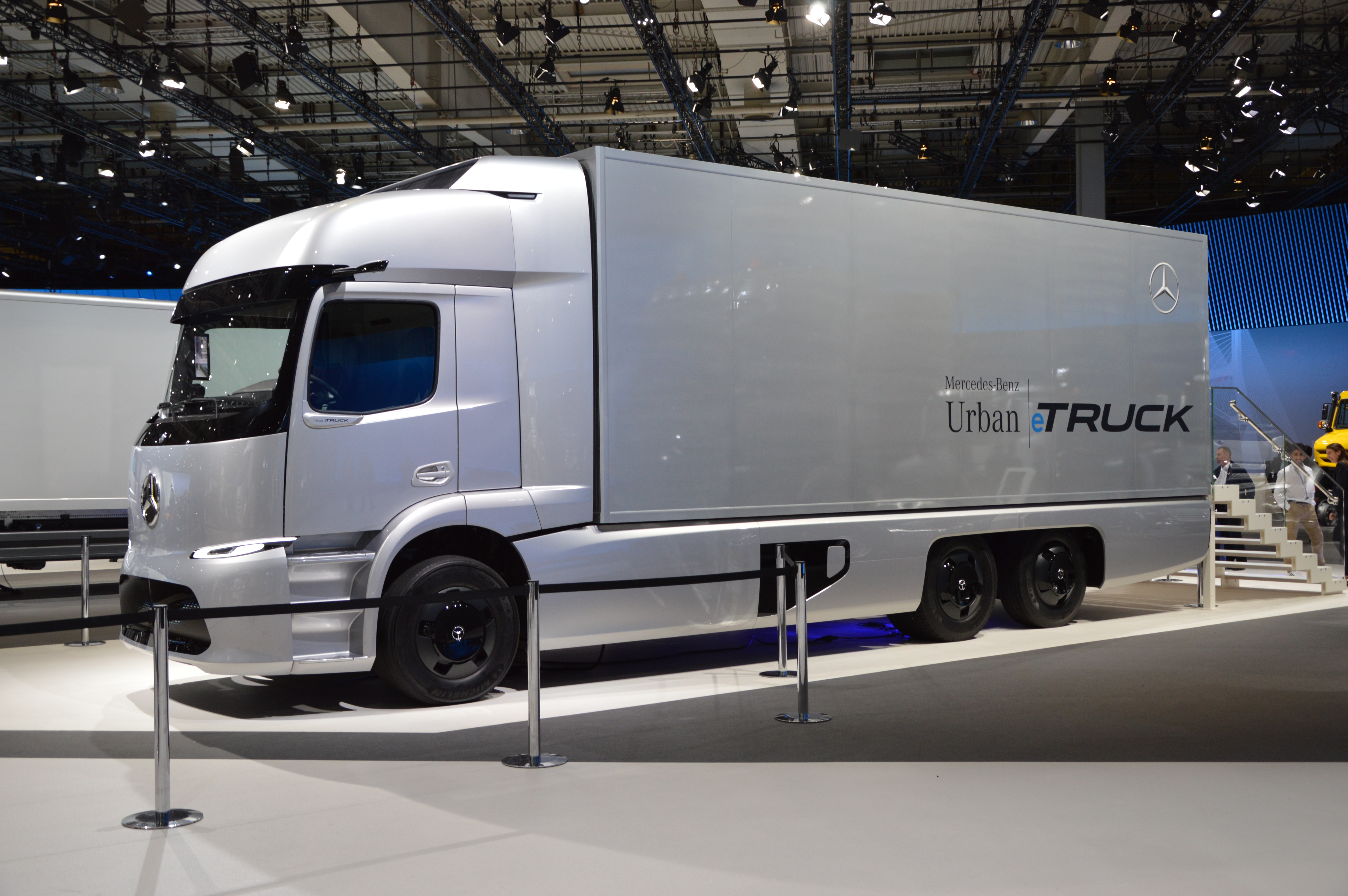 electric trucks and delivery vans rh idtechex com heavy duty truck a-frame