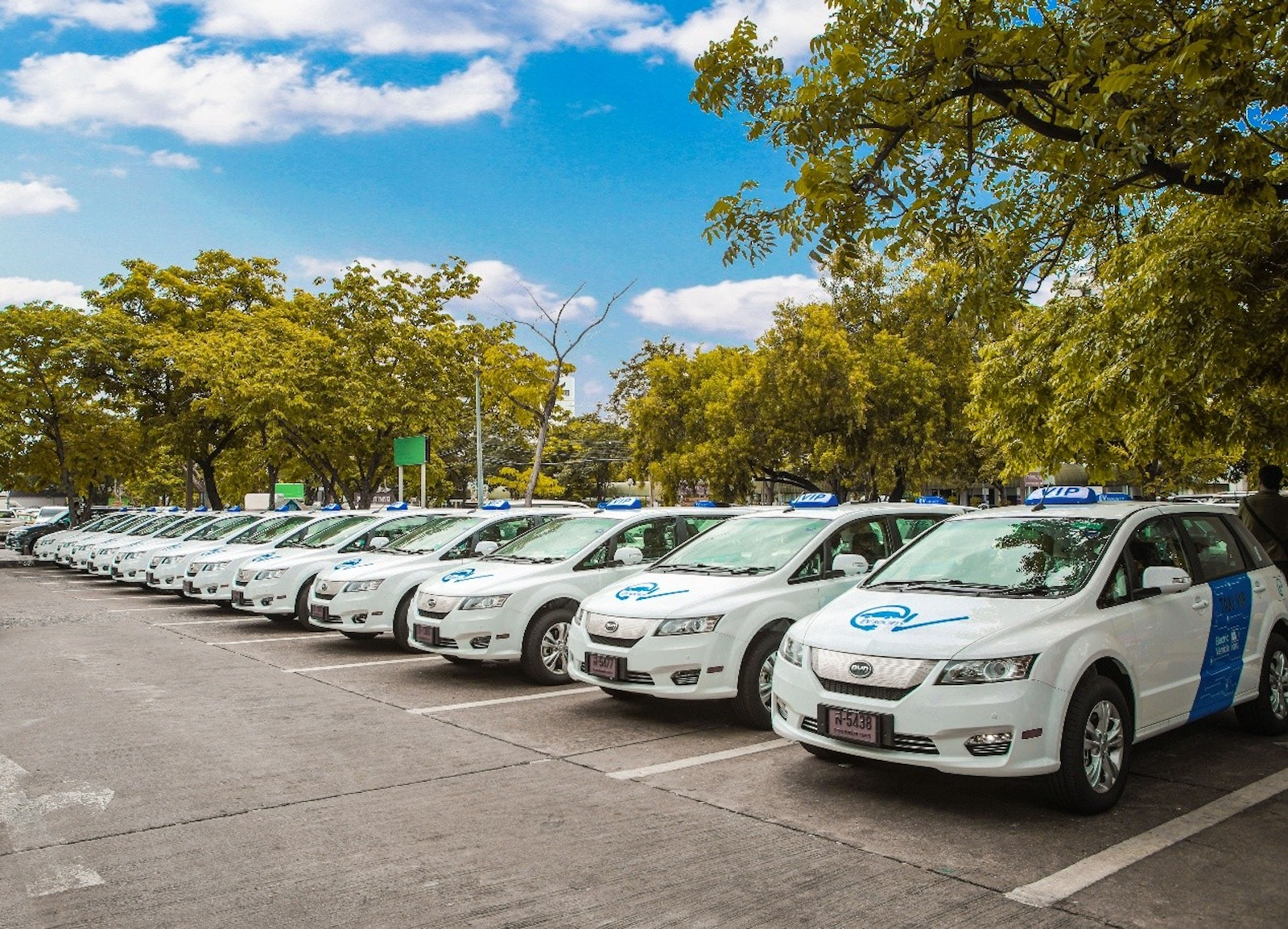 Byd Is Proud To Announce Its Successful Delivery Of 101 Pure Electric E6 Cars Bangkok With Another 1000 More Come The Agreement Thailand