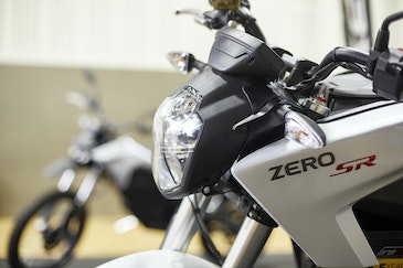 Electric two-wheelers: a transition as important as electric cars?