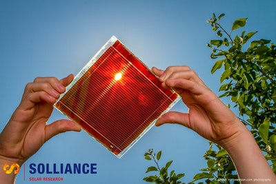 Thermal stable perovskite solar cell