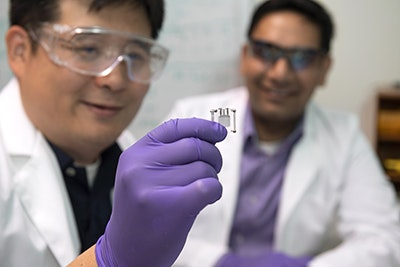 Implantable, biofuel-powered sensor that runs on sugar