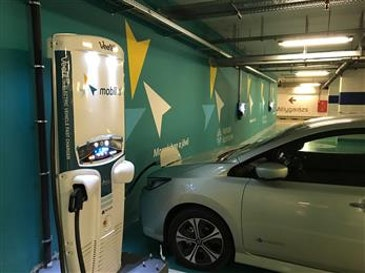 Hungarian EV drivers experience liquid-cooled 50kW fast charger