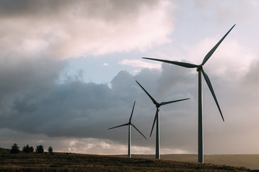 How climate impacts solar and wind power supply