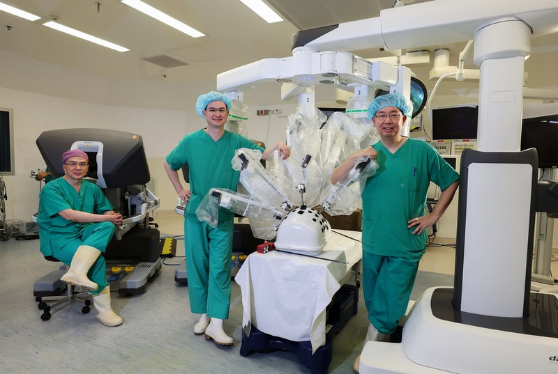 Robotic surgery through a single entry site