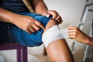 Electrifying wound care: Better bandages to destroy bacteria