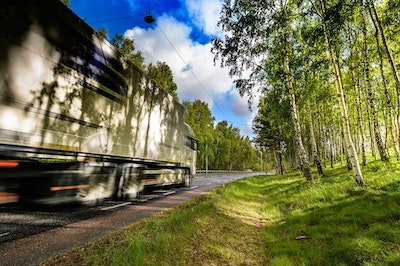 Dynamic electric road system to be built in Sweden