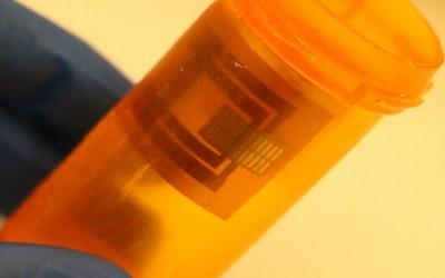Smart pill bottle keeps drugs safe