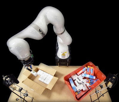 AI controls robotic arm to pack boxes and cut costs