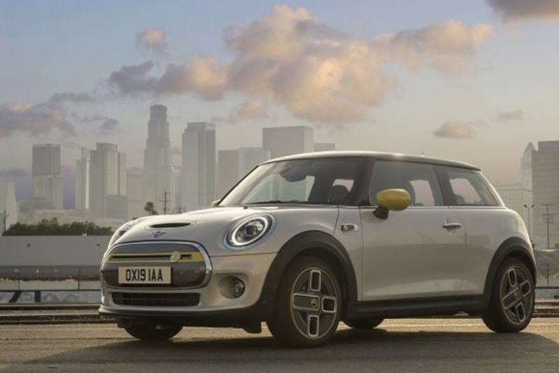 The new MINI Cooper SE, fully electric