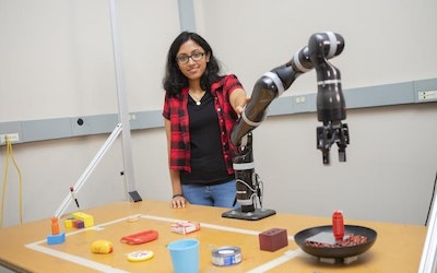 A robot that can build its own tools