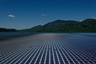 Vietnam's first large-scale floating solar power plant