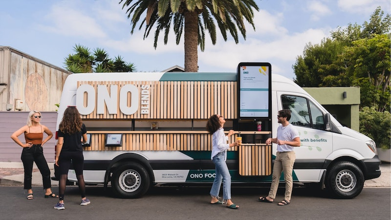 World's first mobile restaurant powered by advanced robotics